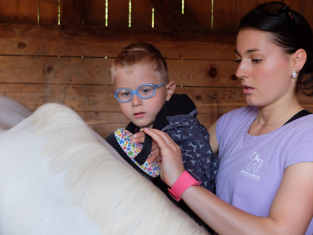 Hippotherapy_with_babies_Caballinnus (2)