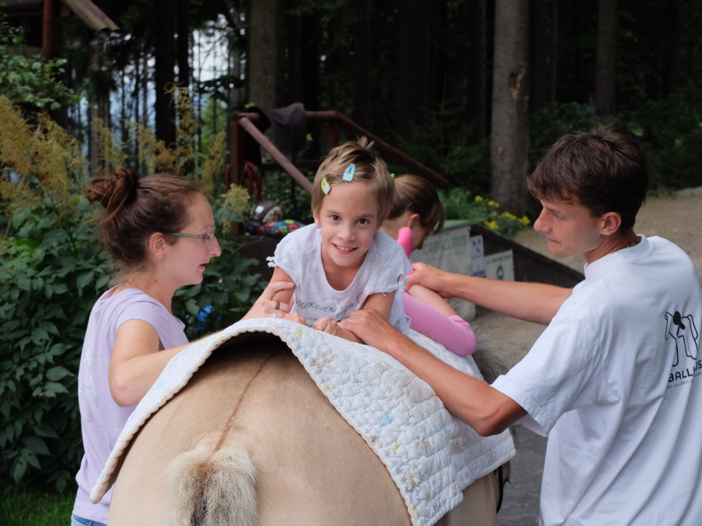 Hippotherapy_with_babies_Caballinnus (3)